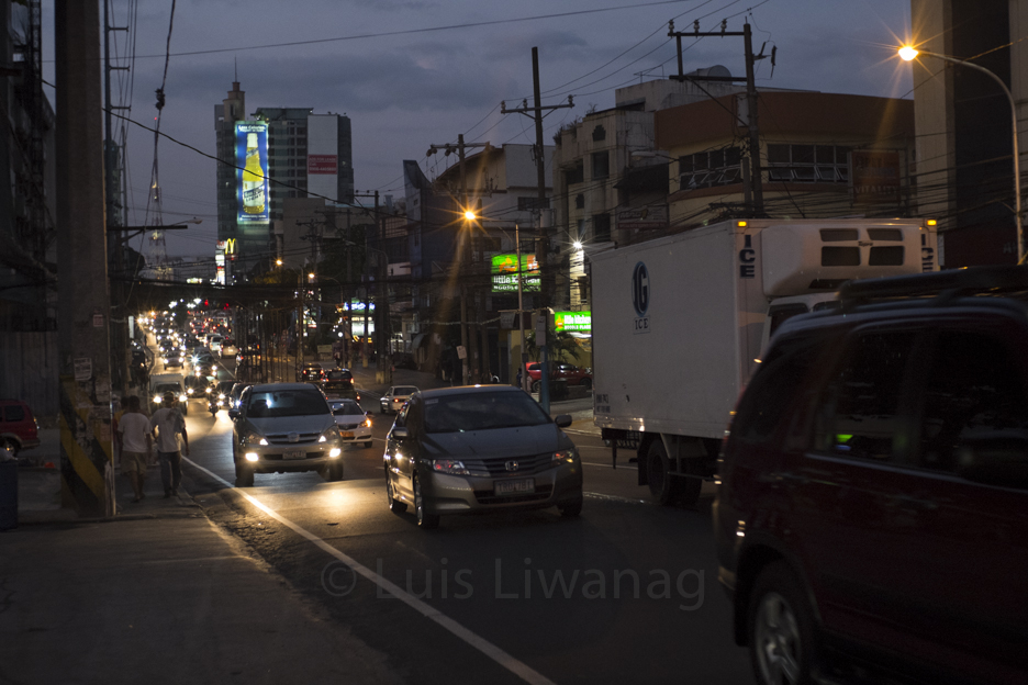 Nightfall:Tomas Morato Ave.